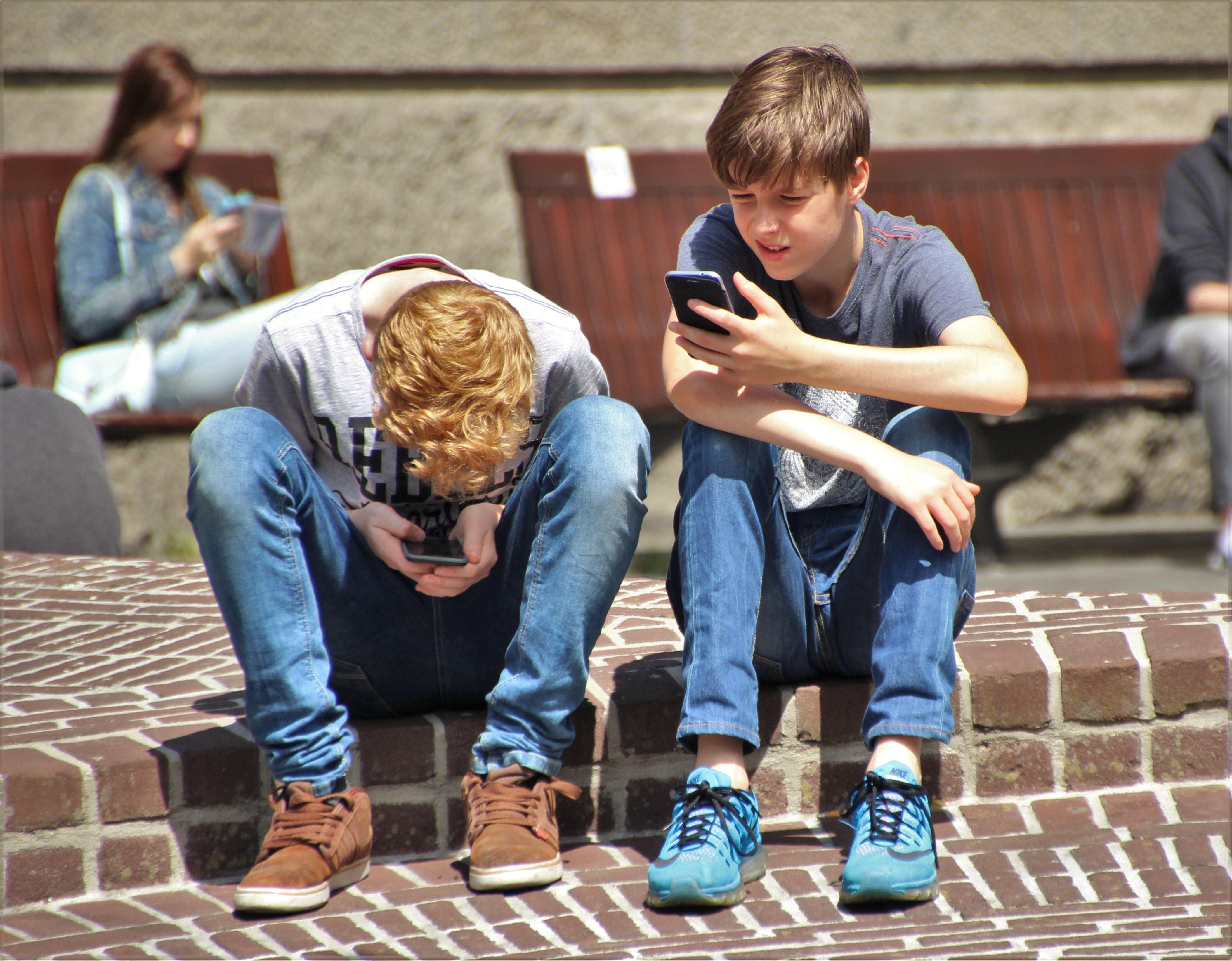 Vaikai ir mobilieji telefonai