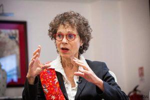 Dr. Devra Davis ragina atsisakyti WiFi mokyklose
