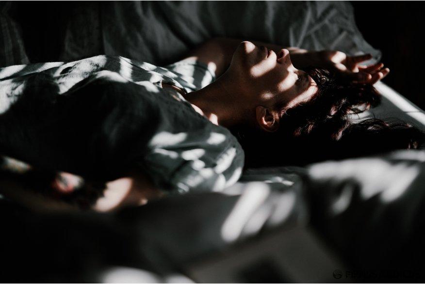 Rekomenduojama prieš miegą vengti telefonų