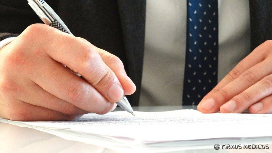 Daugiau nei 400 medikų ragina FCC pradėti dirbti savo darbą