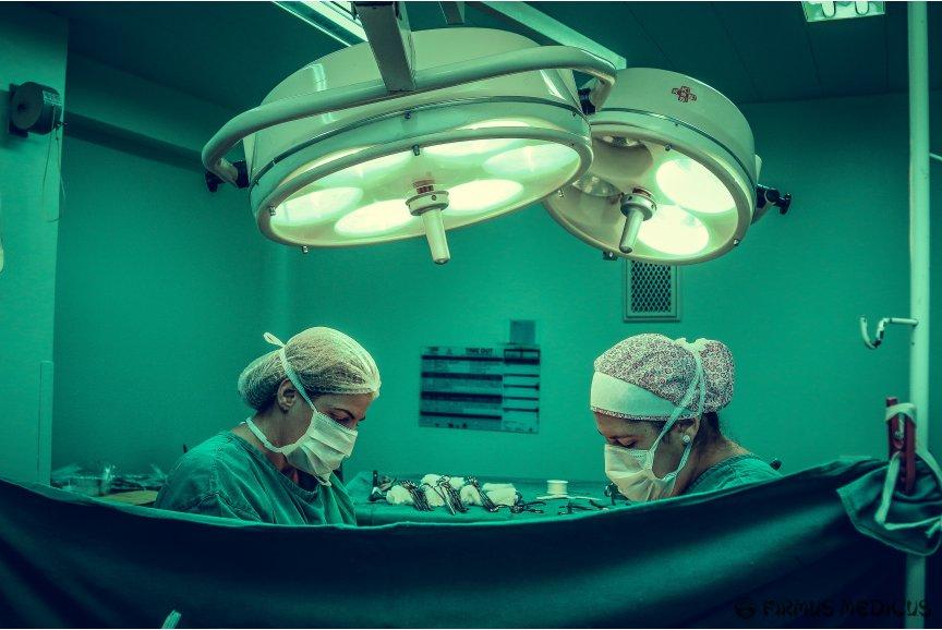 Operacijos gali vykti be gydytojų